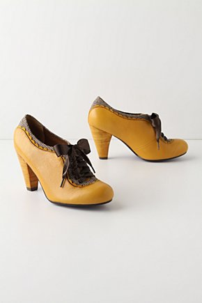 Lass & Laddie Oxfords - Anthropologie.com :  scalloping lace up tweed menswear inspired