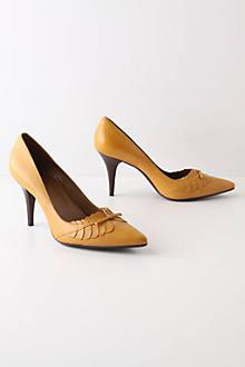 Pointed Laurel Heels
