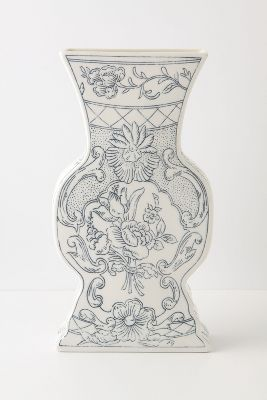 Pragmatic Vase, Roses