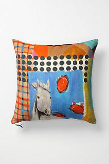 Avenida Pillow, Insects