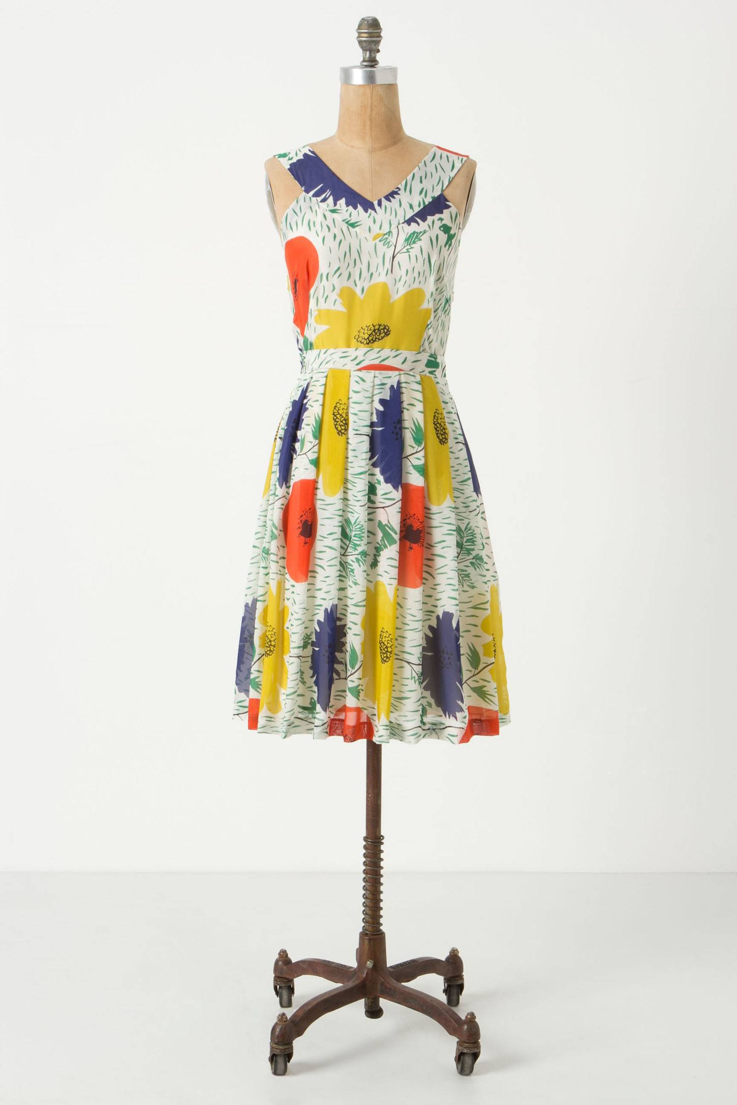 http://images.anthropologie.com/is/image/Anthropologie/24560716_079_b?$redesign-zoom-5x$