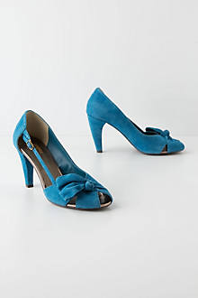 Overbow Cutout Heels