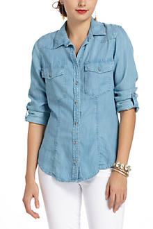 Fitted Chambray Buttondown