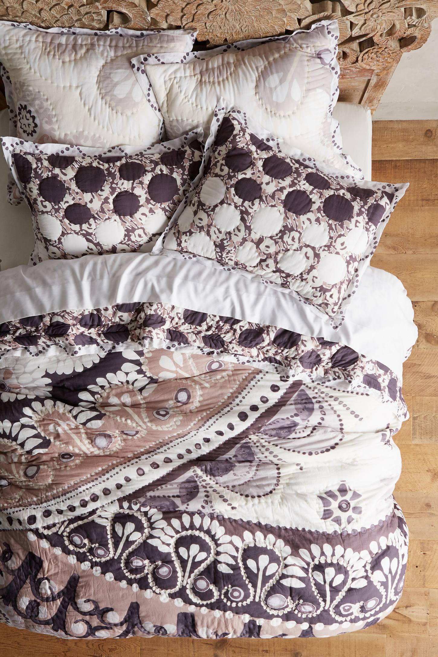 Tahla Bedding