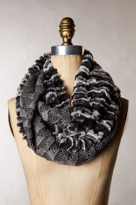 Rippled Fans Infinity Scarf