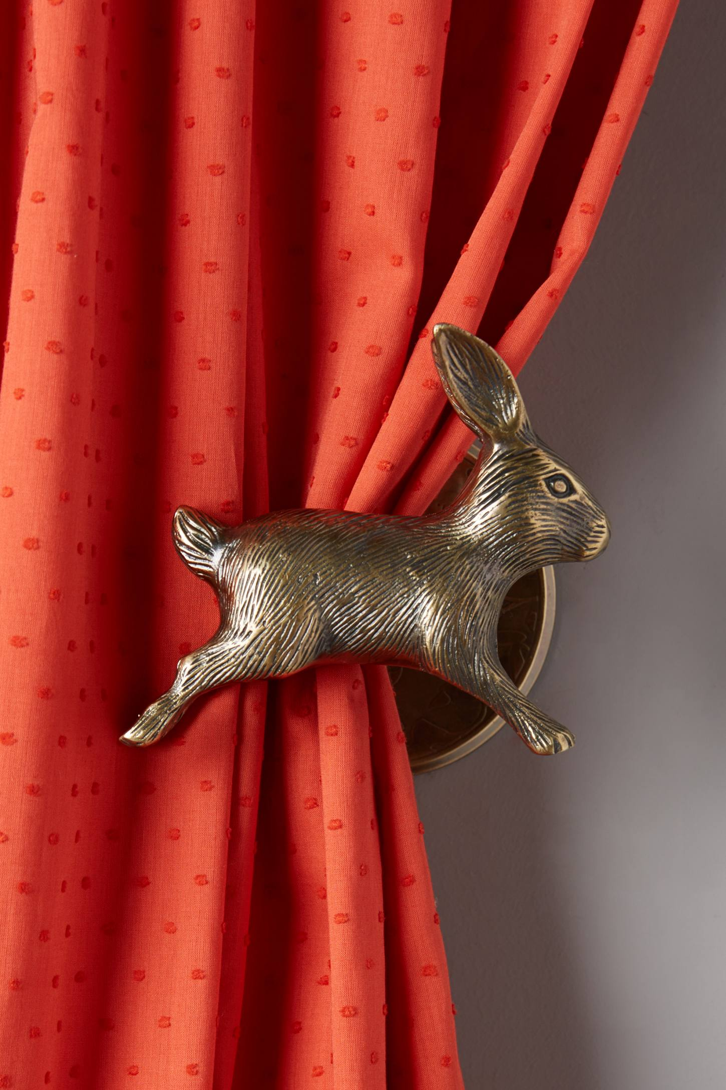 Leaping Rabbit Tie Back