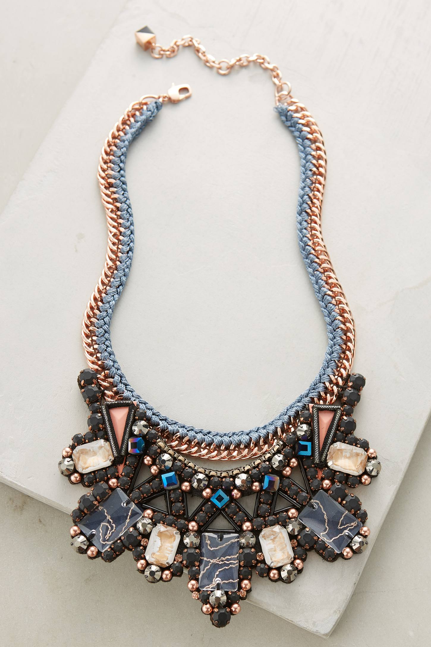 Inove Bib Necklace