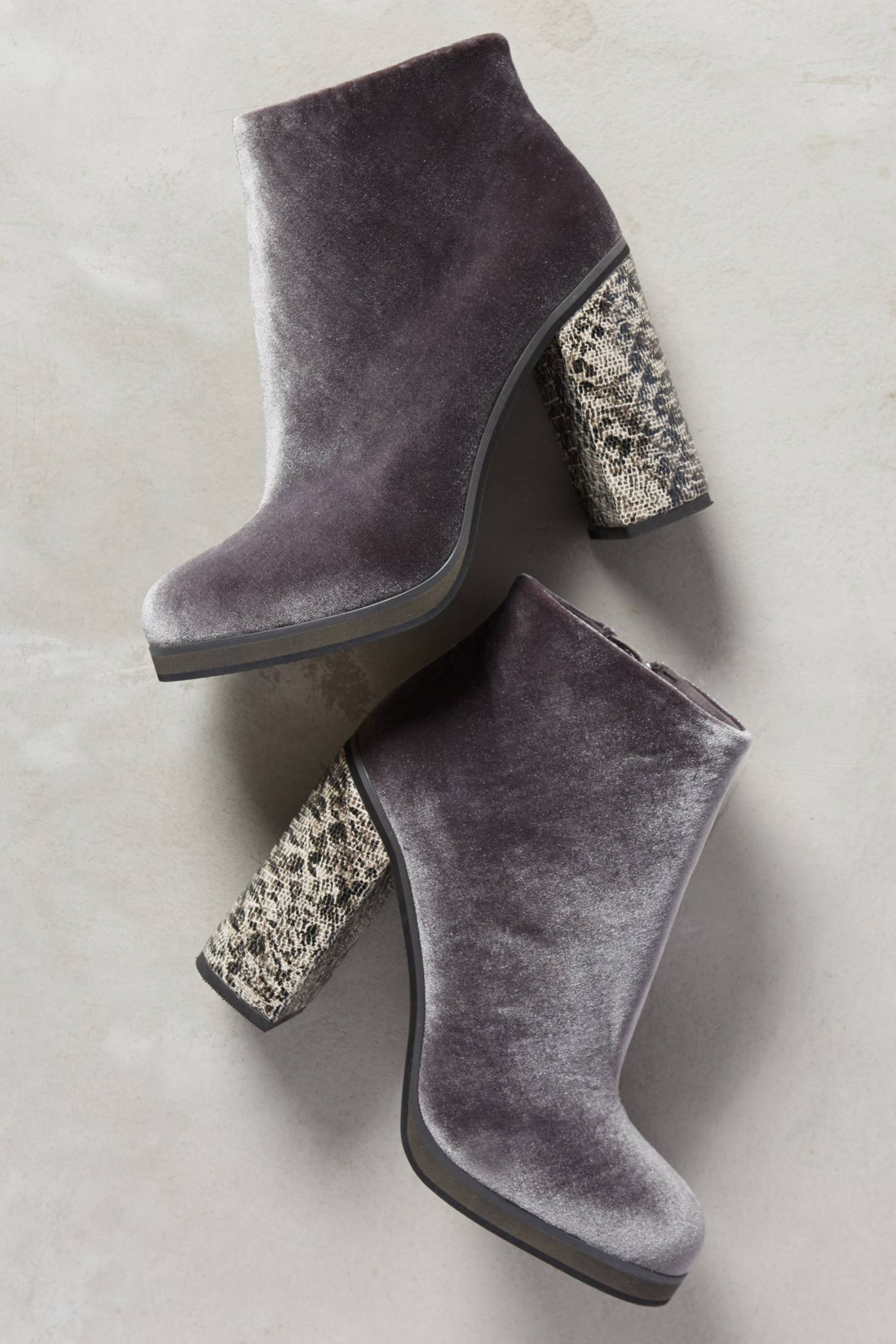 Lien.Do Magdalena Velvet Booties