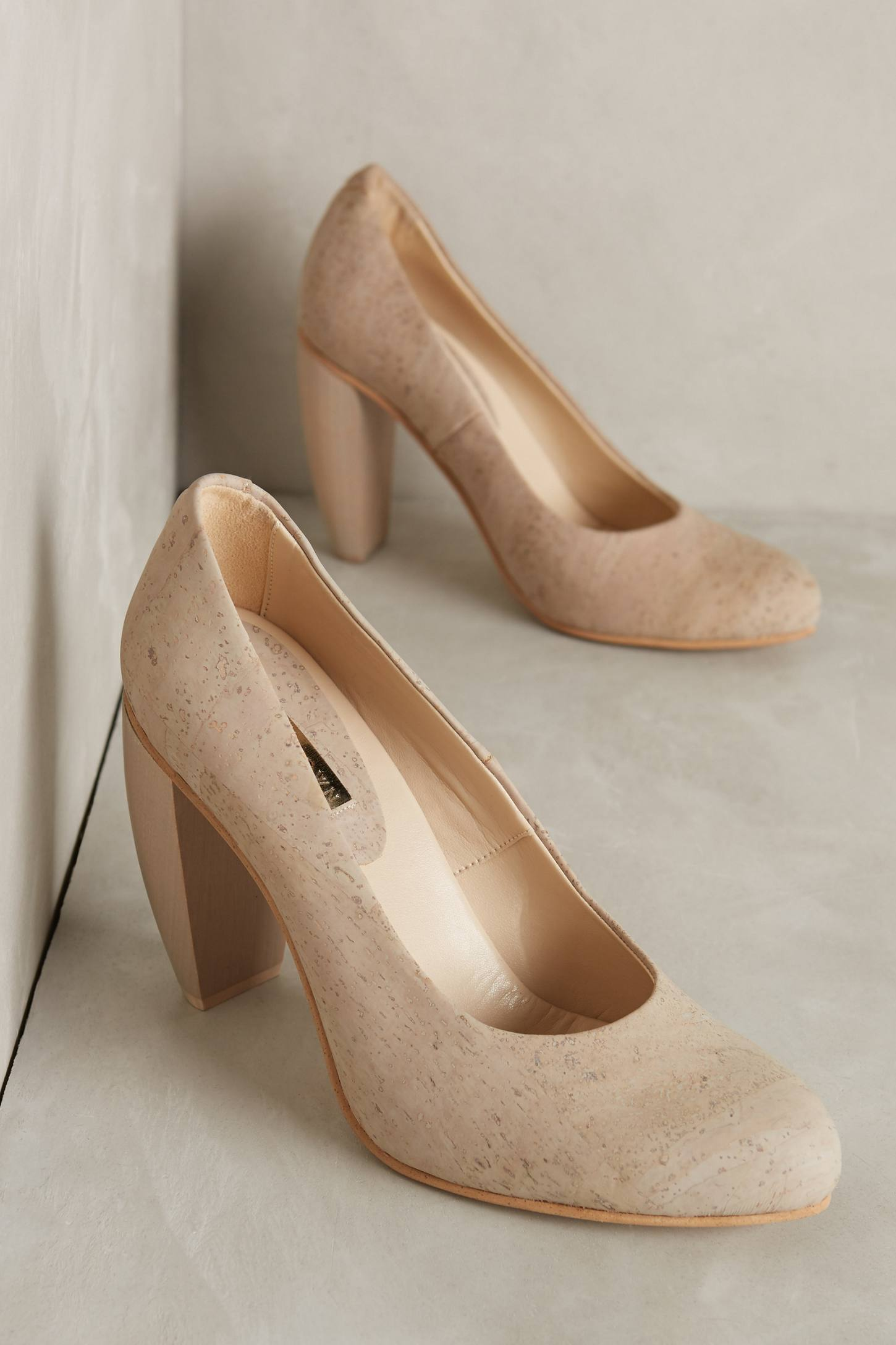 Sydney Brown Curved Heel Pumps