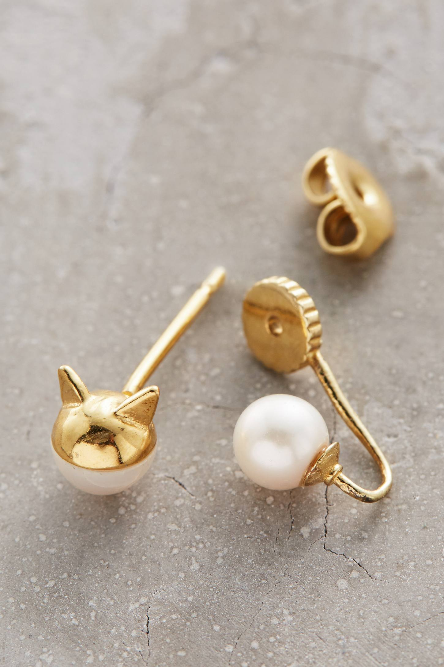 Kitty Capped Pearl Drops