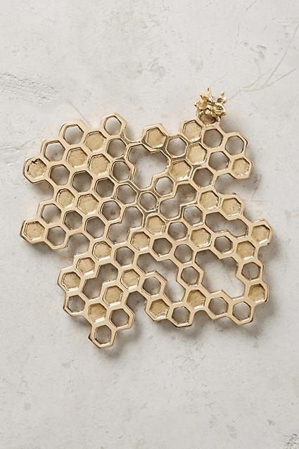 Darling beehive trivet