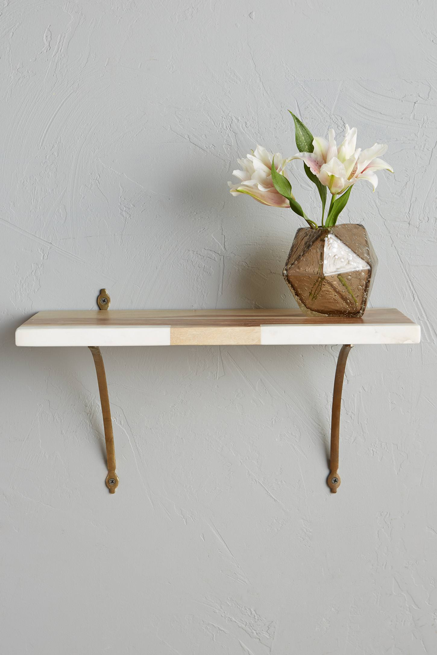 Marble-Blocked Shelf