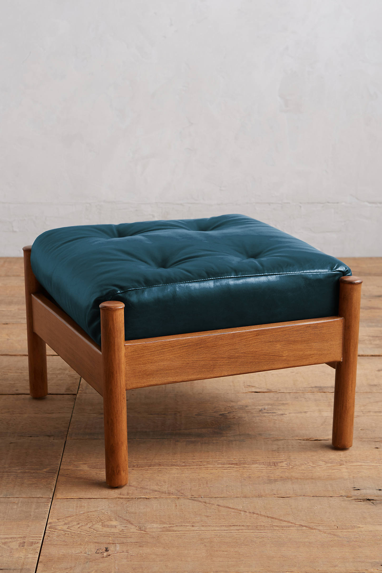 Premium Leather Alvorada Armchair