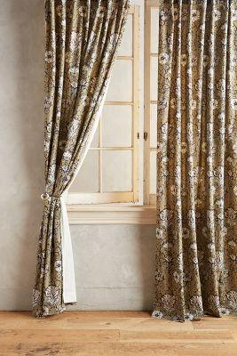 Elania Curtain