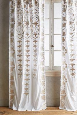 Antonella Curtain