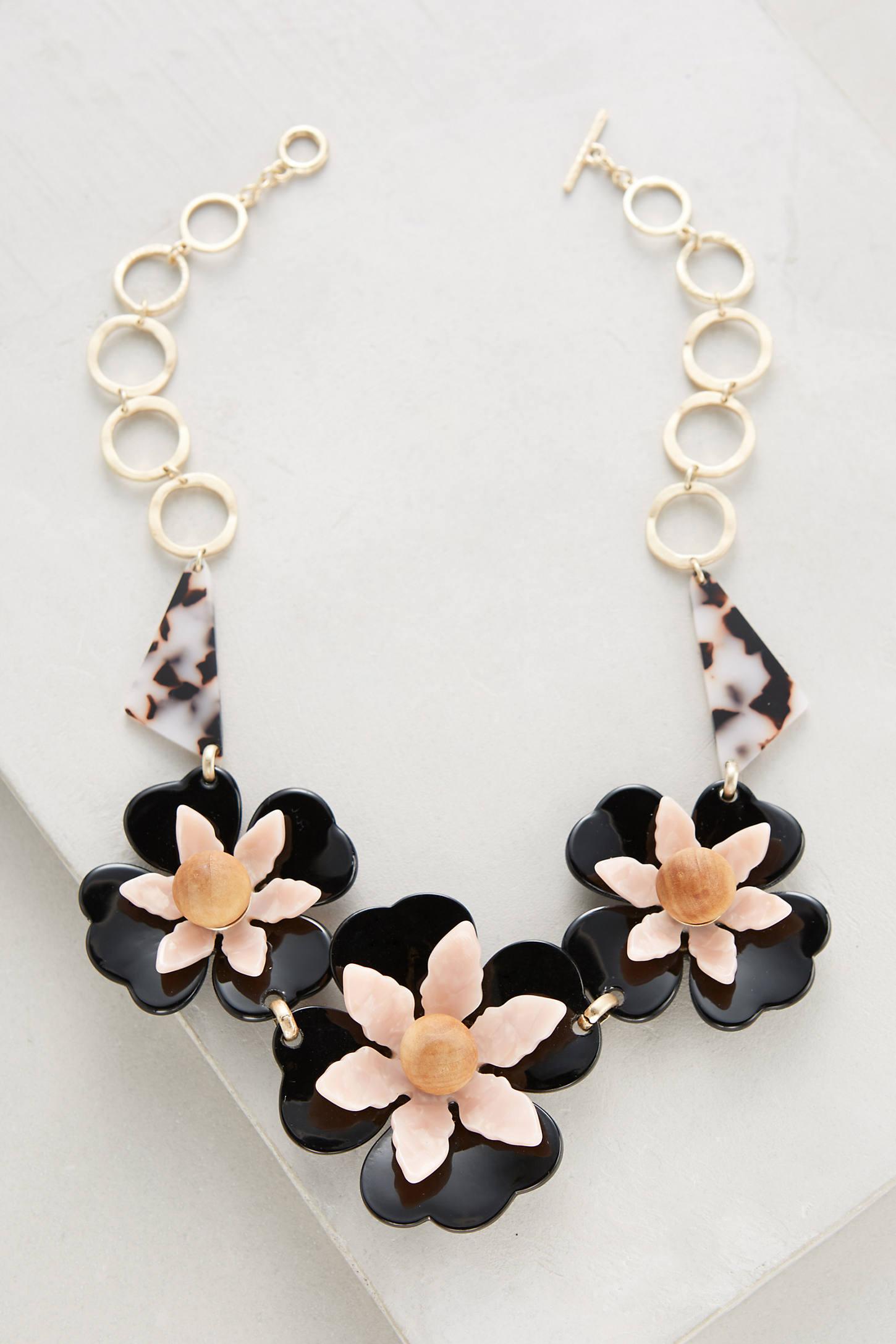 Collier Fleur Bib Necklace