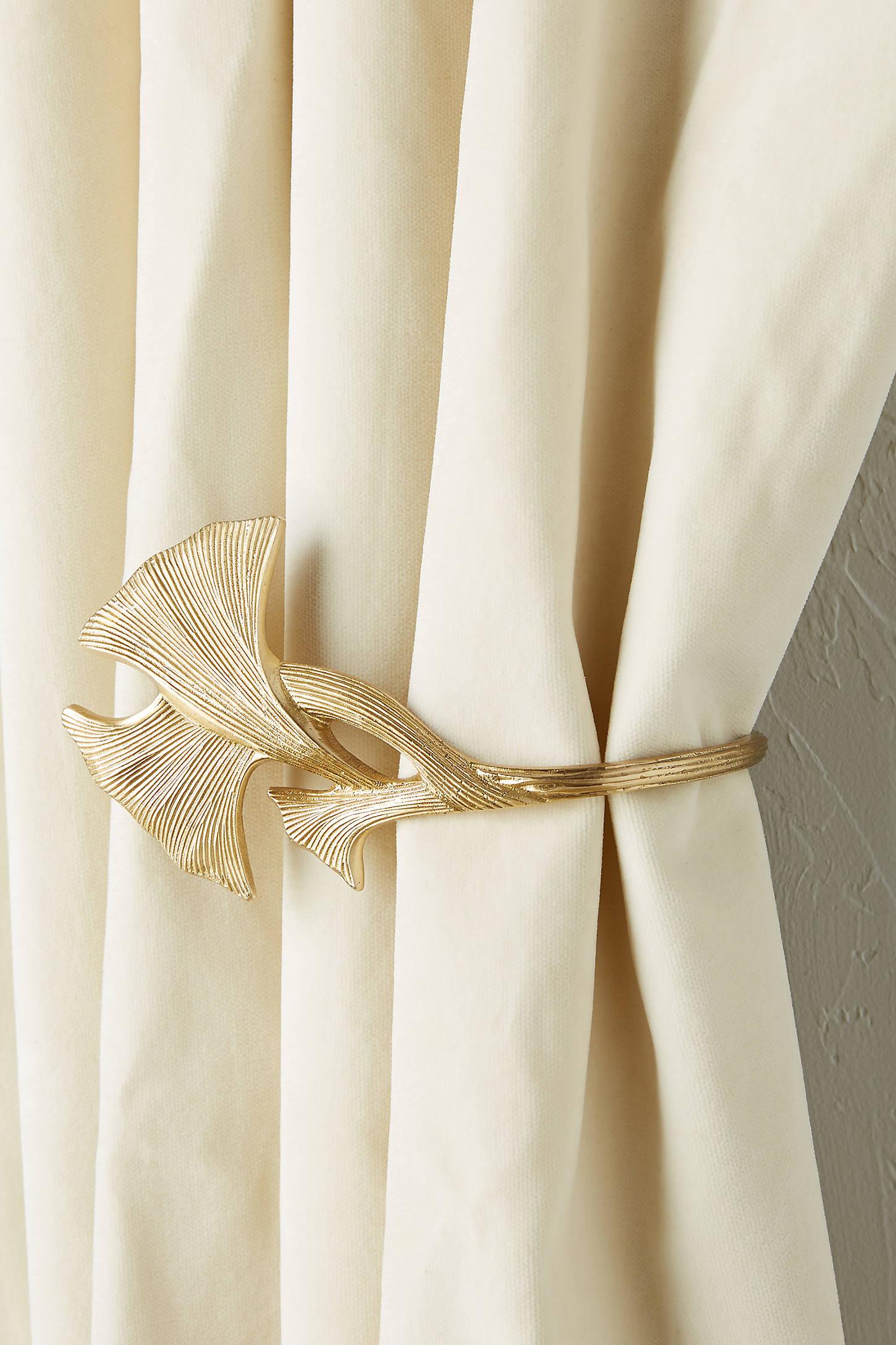 Lillian Curtain Tieback
