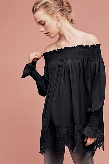 Vettora Off-The-Shoulder Top