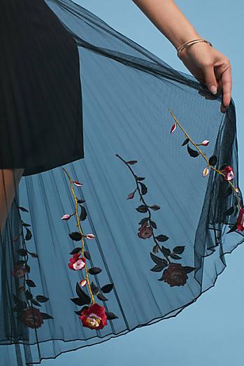 Capri Embroidered Skirt