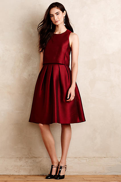 Love this gorgeous red holiday dress