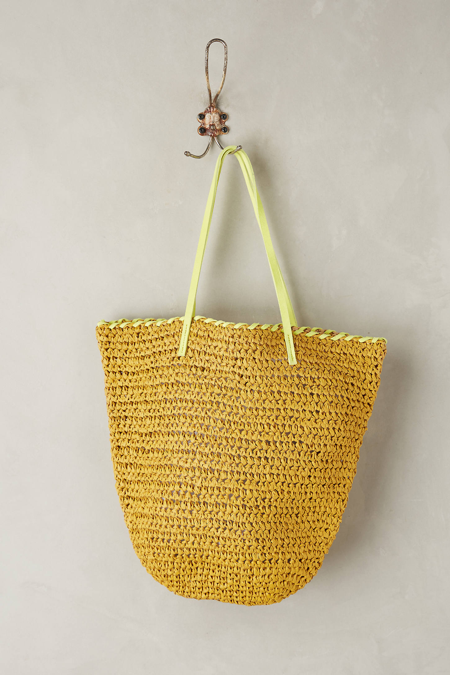Market Straw Bucket Bag