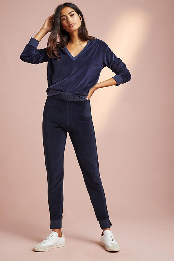 AMO Velour Pullover