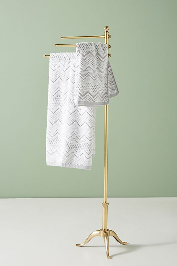Slide View: 1: Pedestal Towel Stand