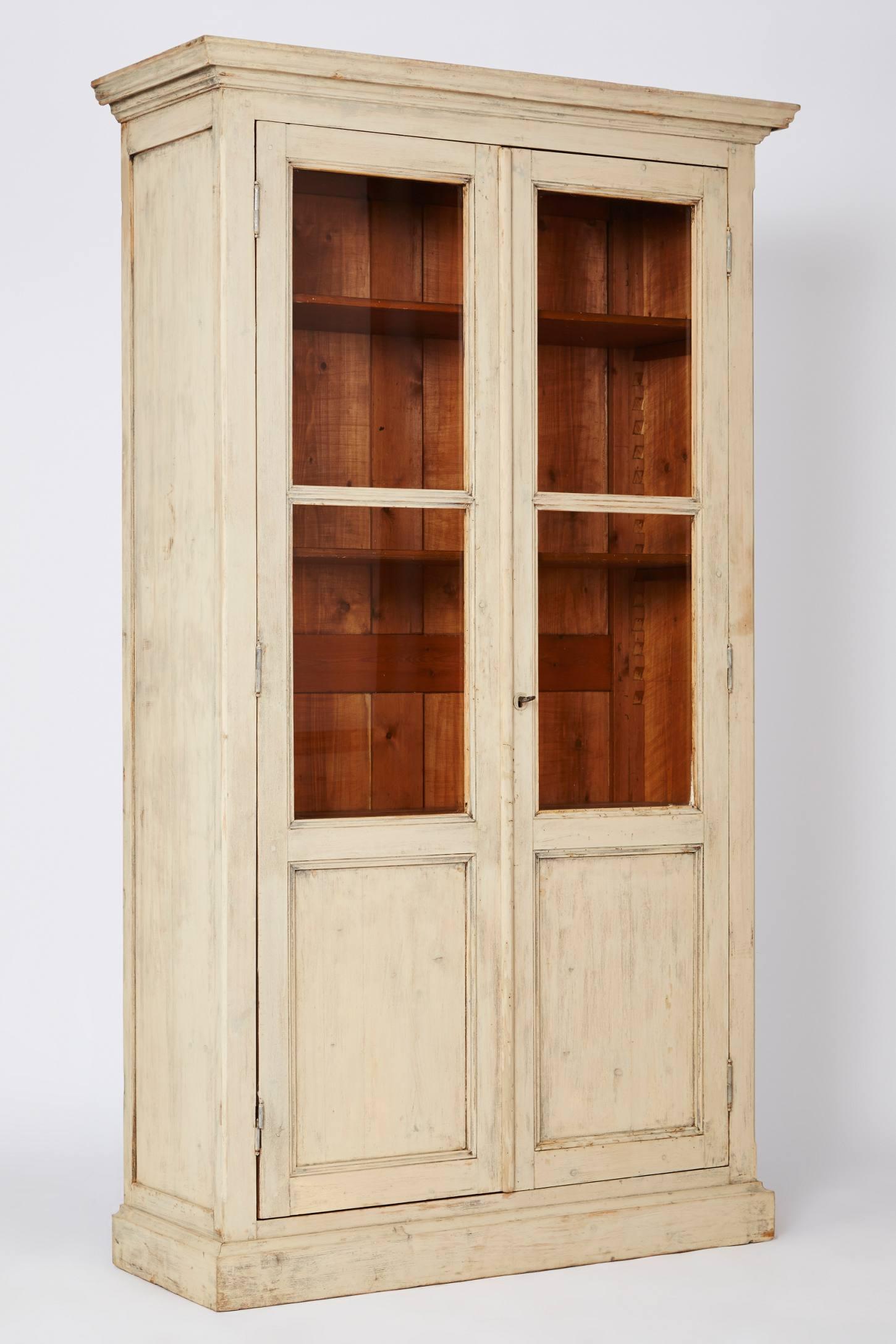Isabelline Cabinet