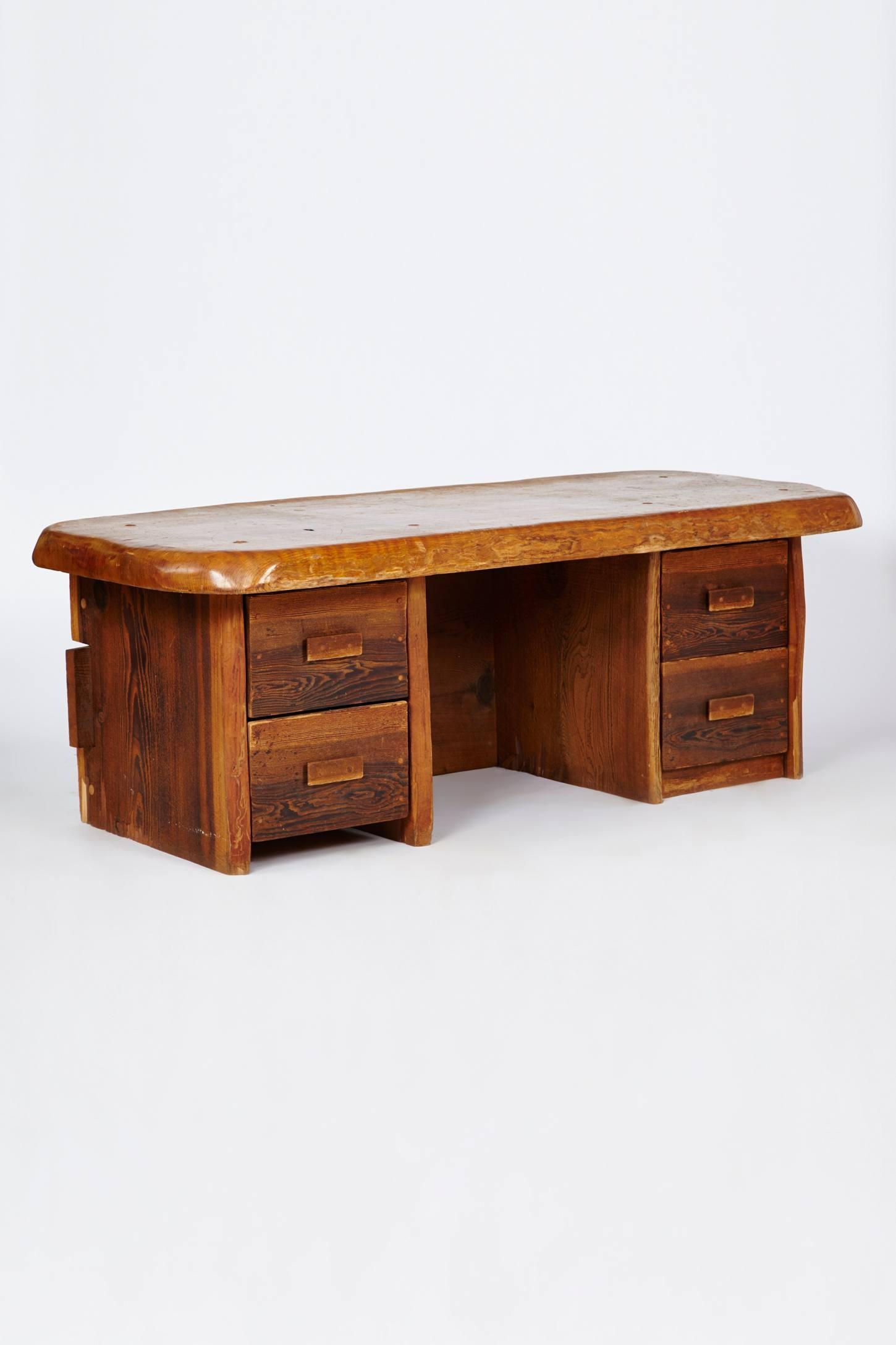 Illustrious Desk