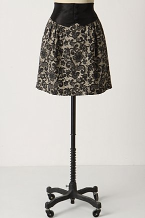Tuxedo Skirt :  cummerbund black and white brocade lacy