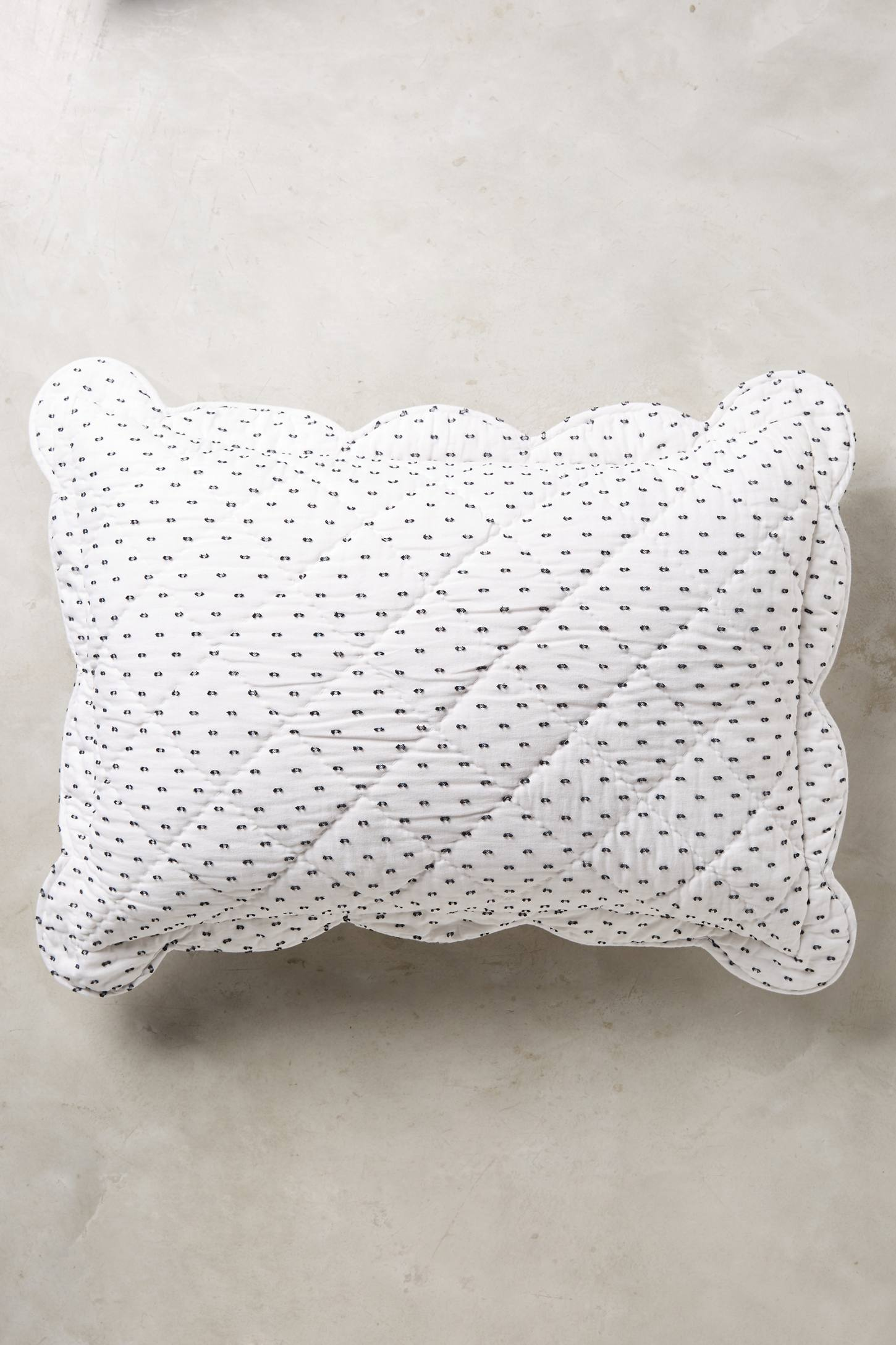 Dotted Nilda Standard Pillowcases