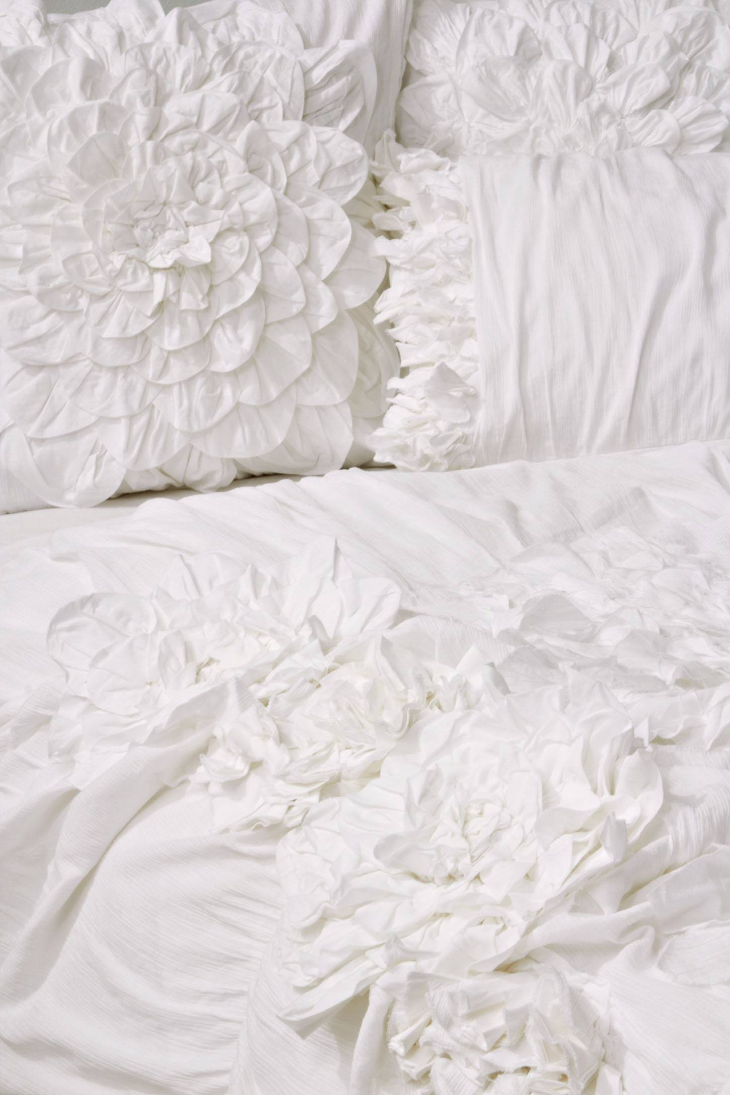 Anthropologie bedding - Slide View 2 Georgina Duvet