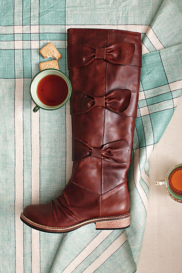 Slide View: 6: Bowtied-Beauty Boots