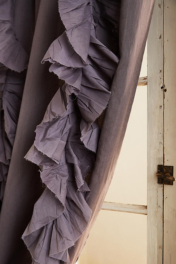 Slide View: 3: Wandering Pleats Curtain
