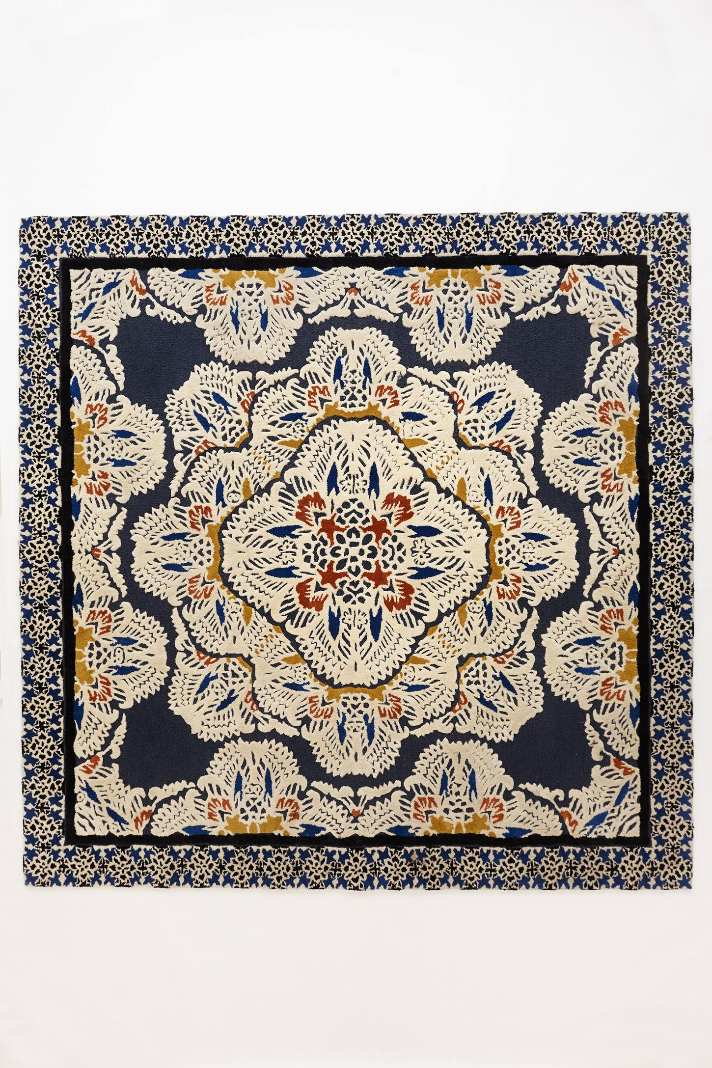 Slide View: 3: Tufted Regalia Rug