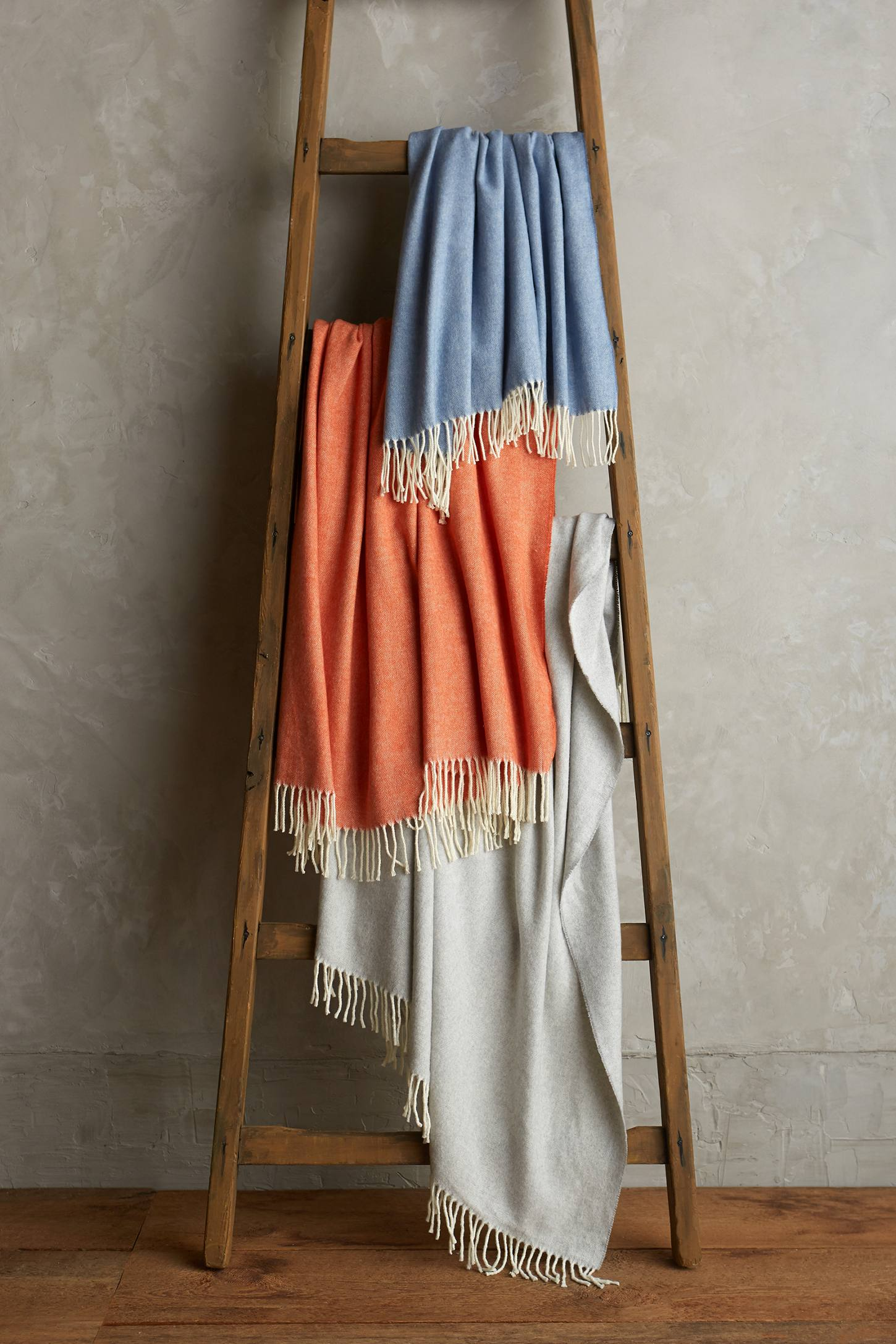 Slide View: 3: Veranda Italian Throw