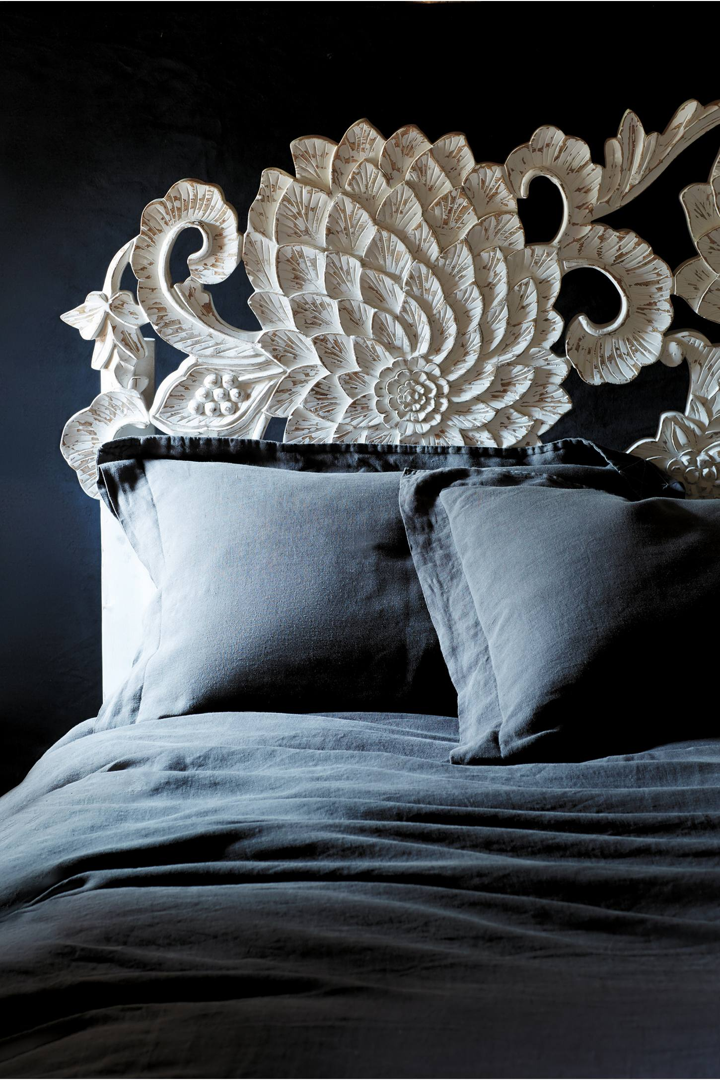Slide View: 9: Handcarved Lotus Bed