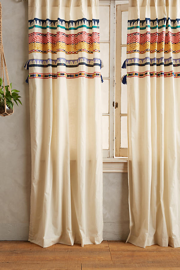 Slide View: 1: Tasseled Mera Curtain