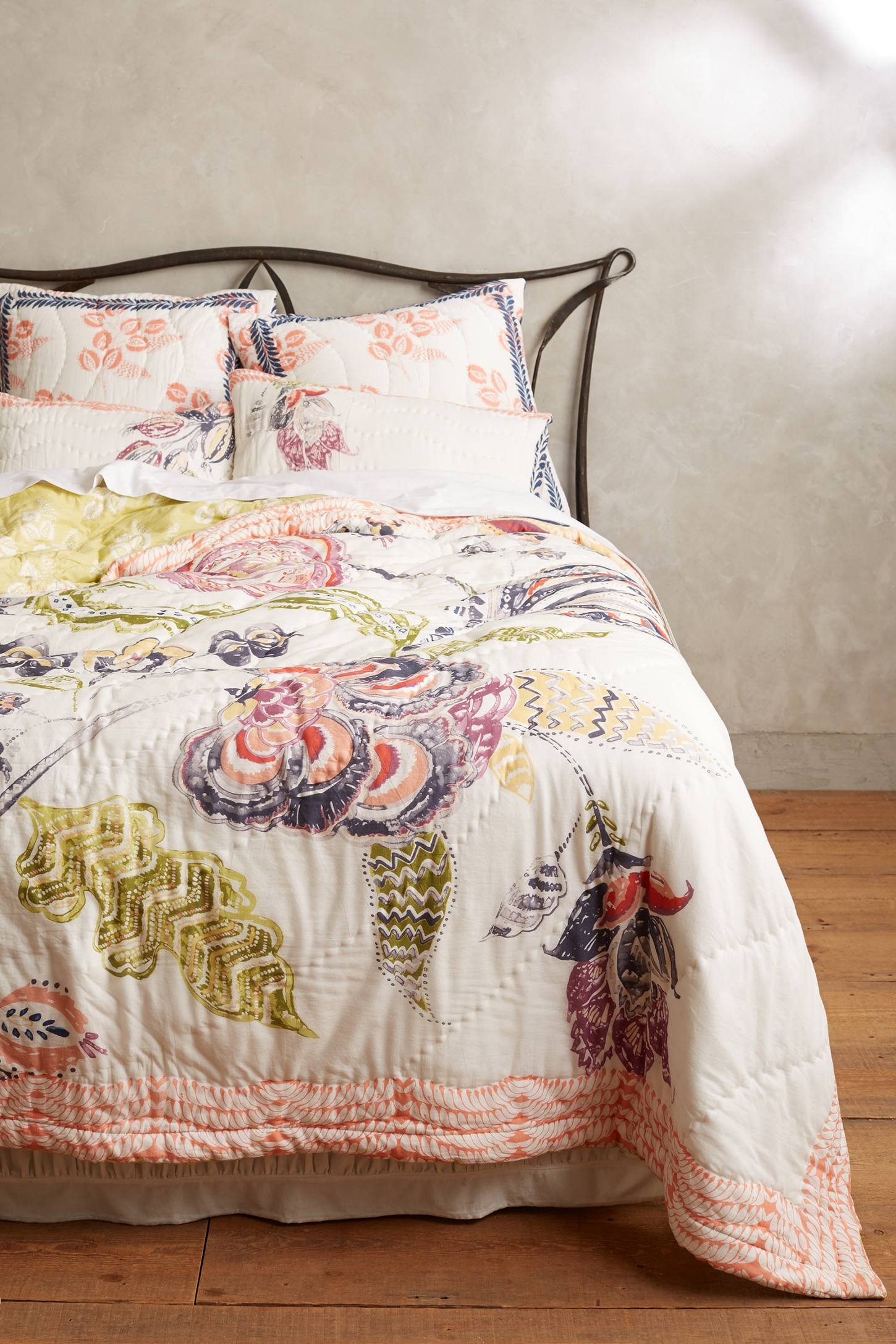 Slide View: 2: Woodblock Floral Quilt