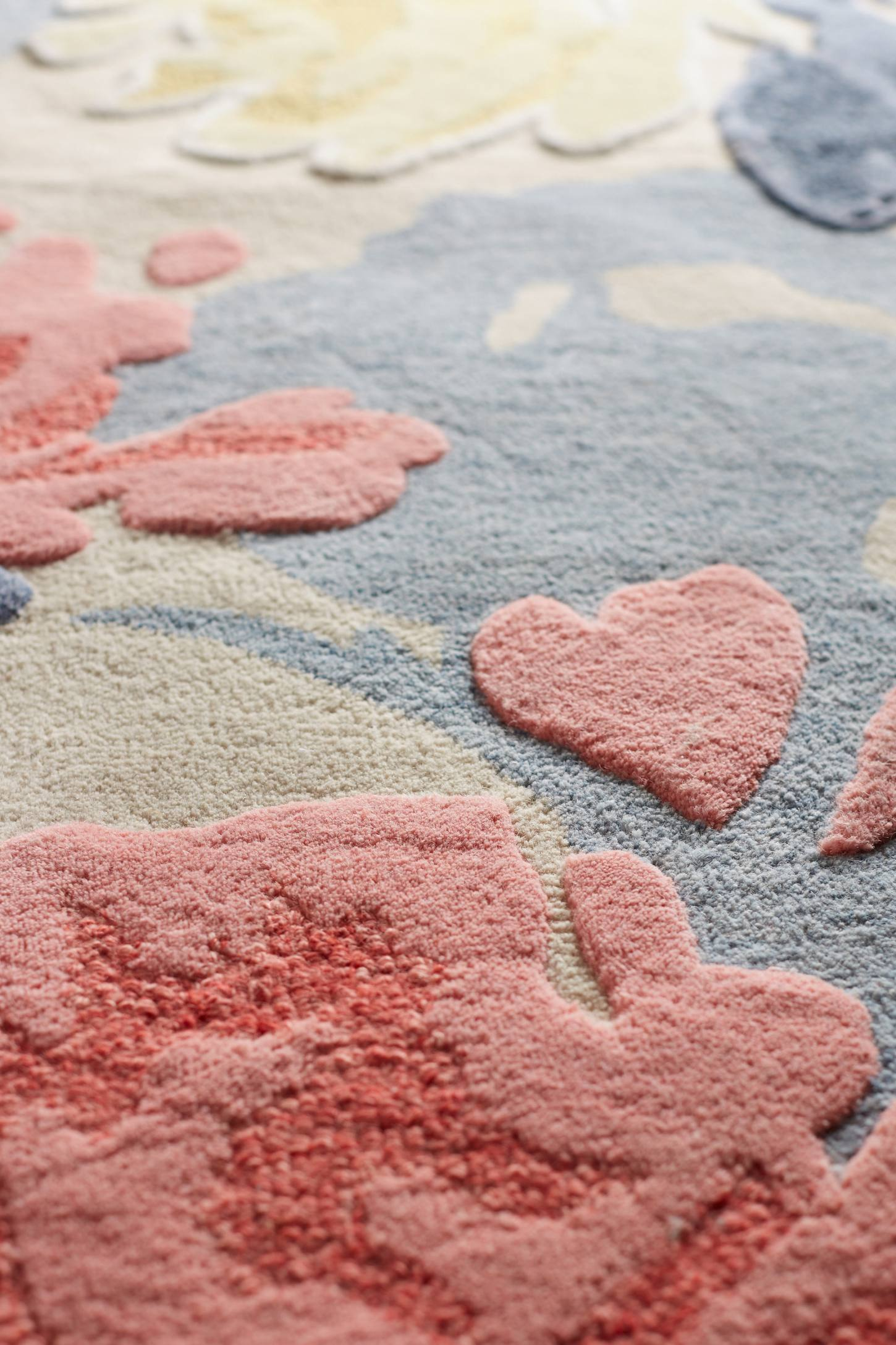 Slide View: 5: Rose Relief Rug