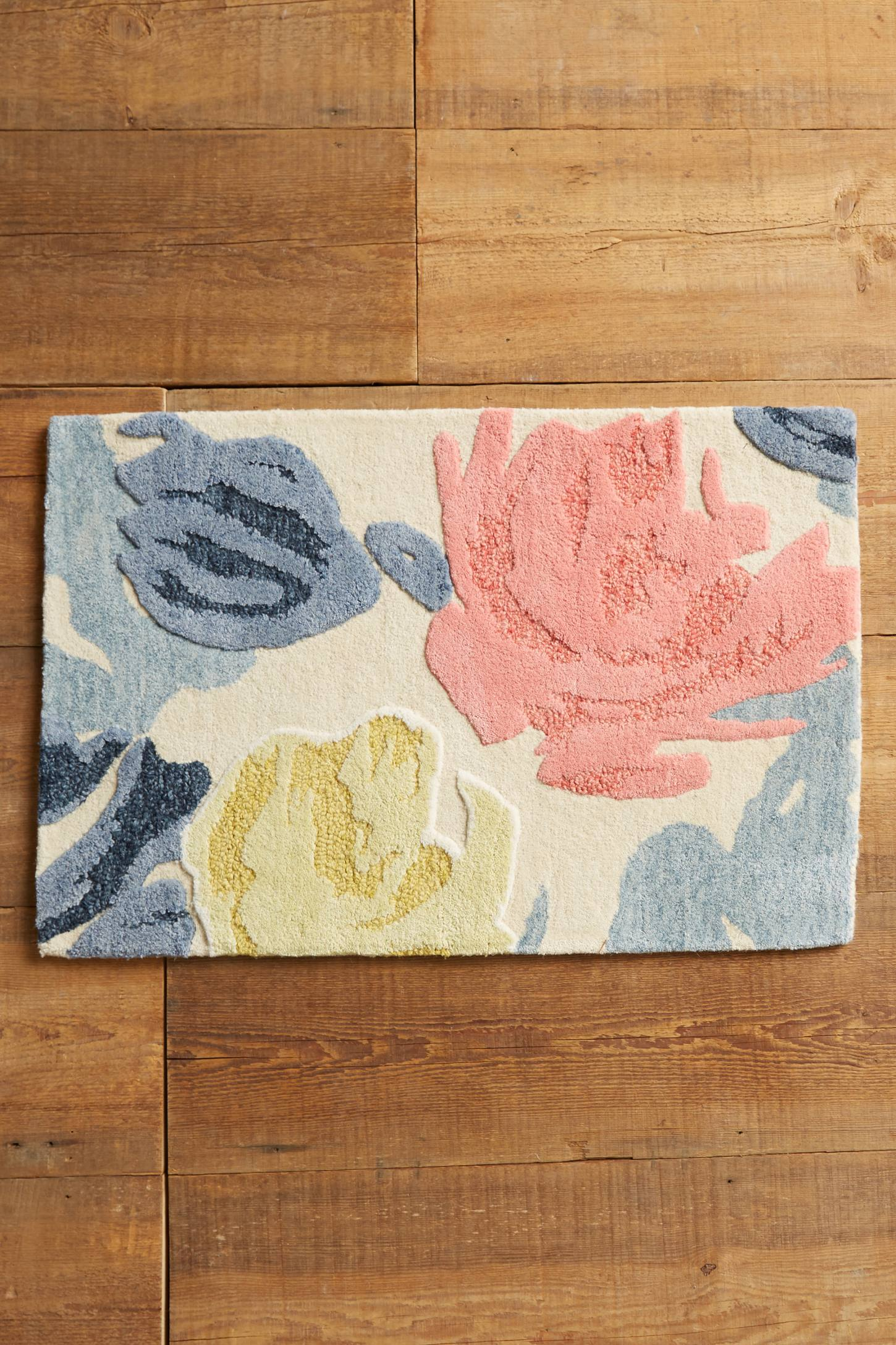 Slide View: 4: Rose Relief Rug