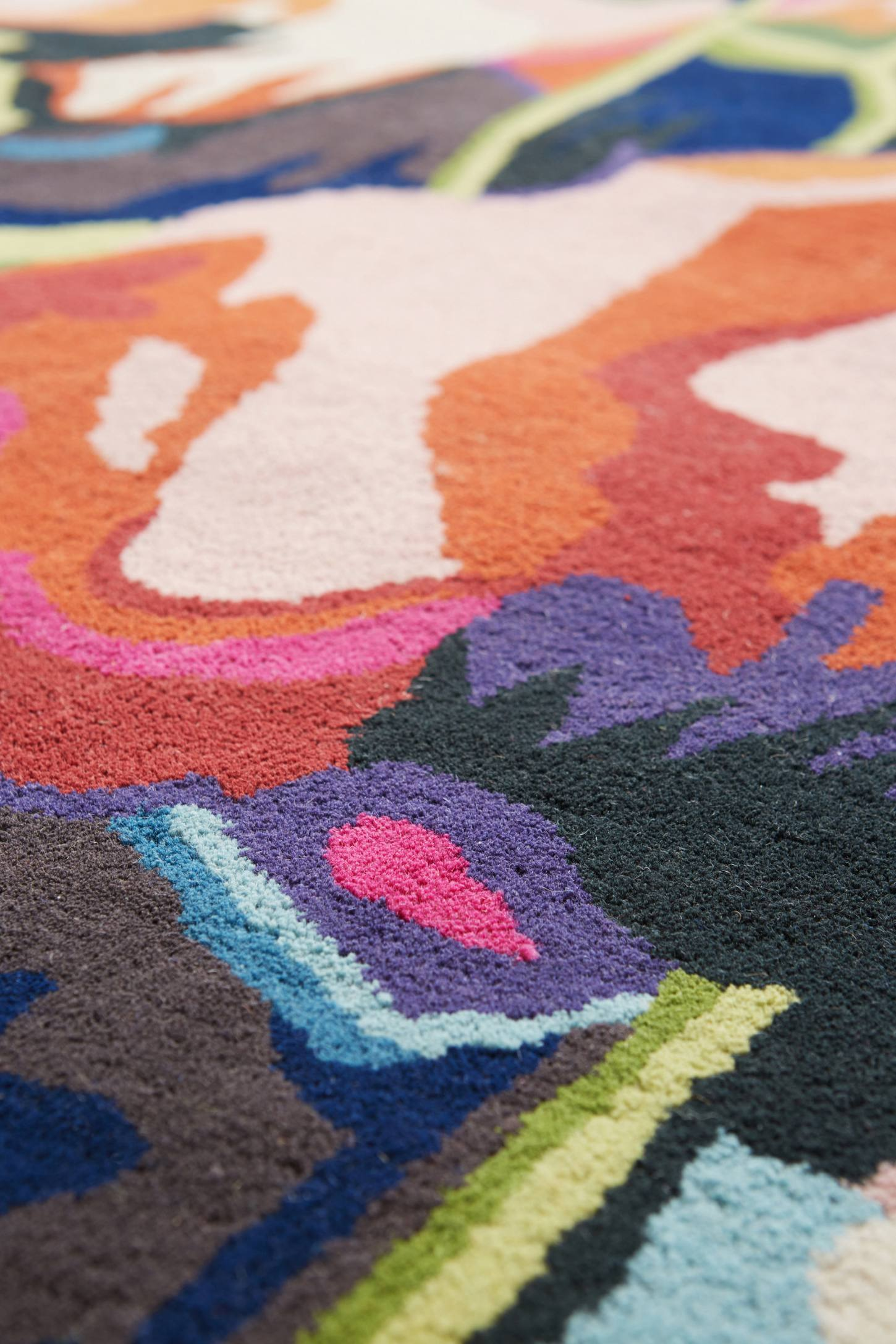 Slide View: 2: Brilliant Poppies Rug
