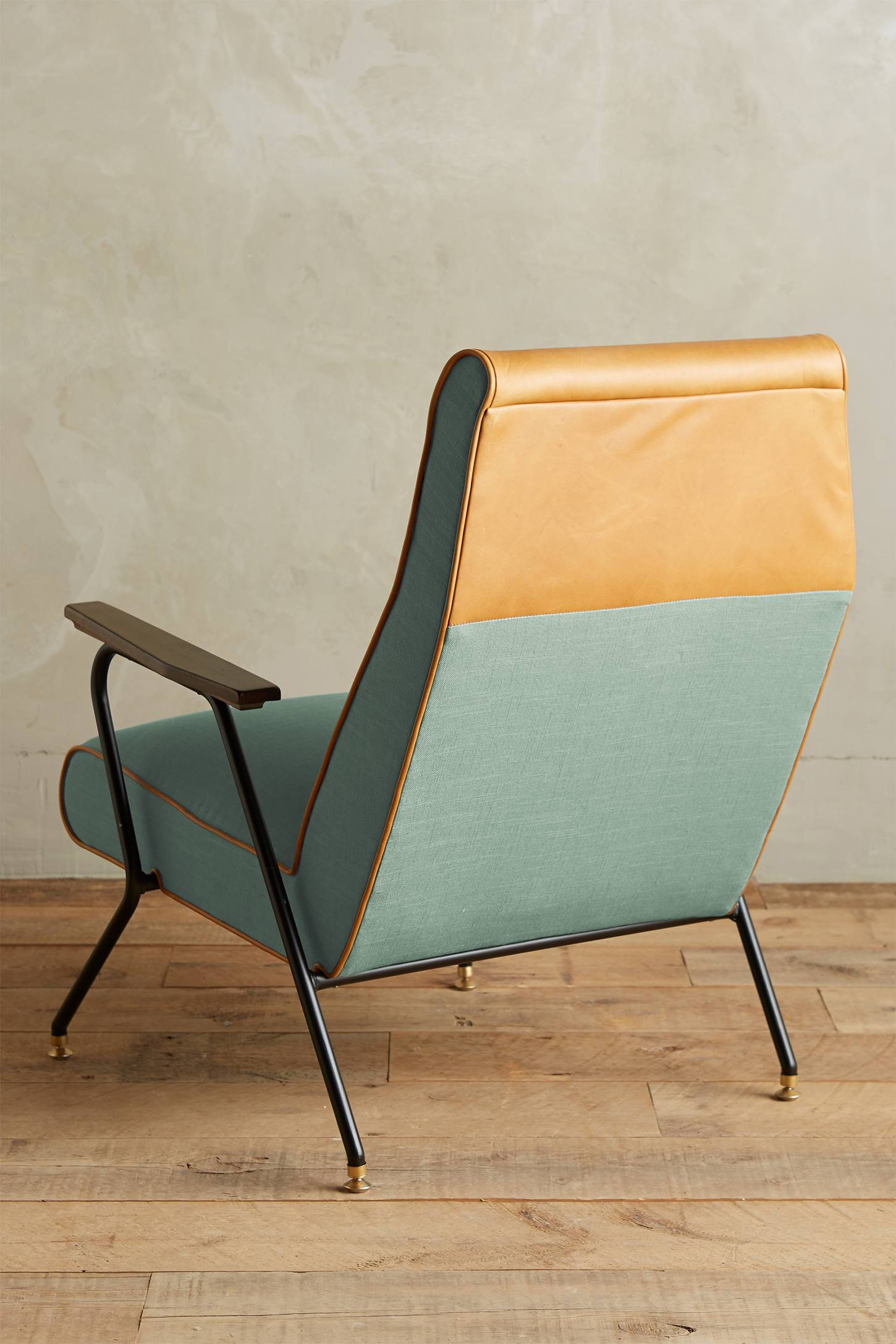 Slide View: 2: Linen Quentin Chair