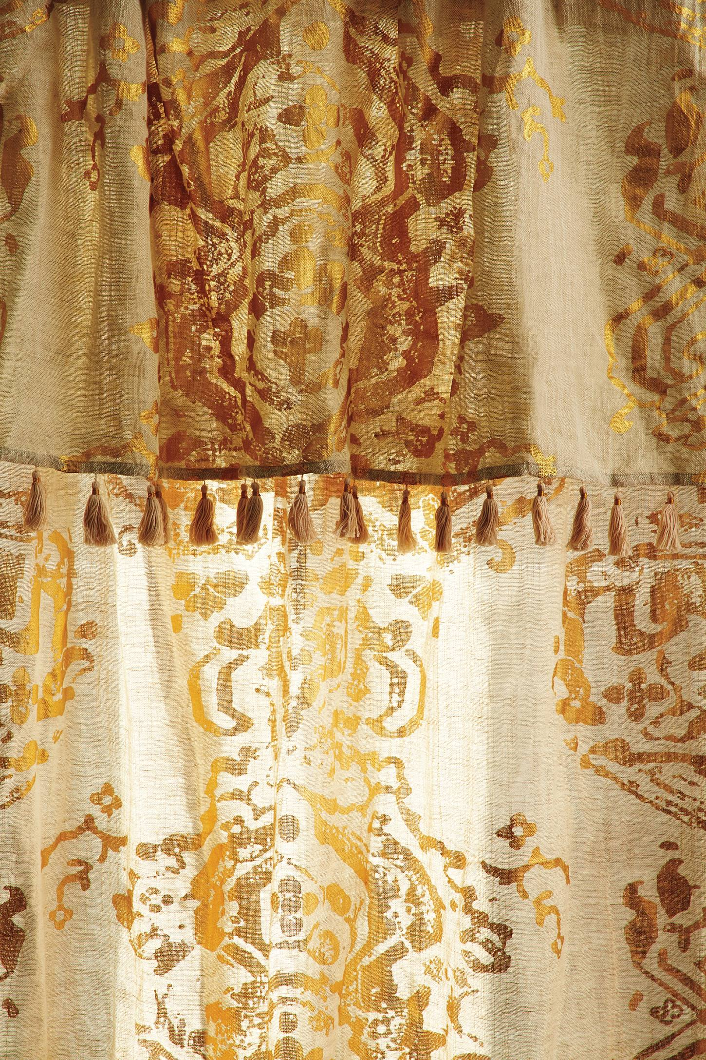 Slide View: 4: Gold Foil Curtain