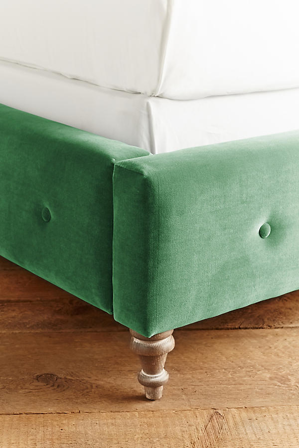 Slide View: 4: Velvet Orianna Bed
