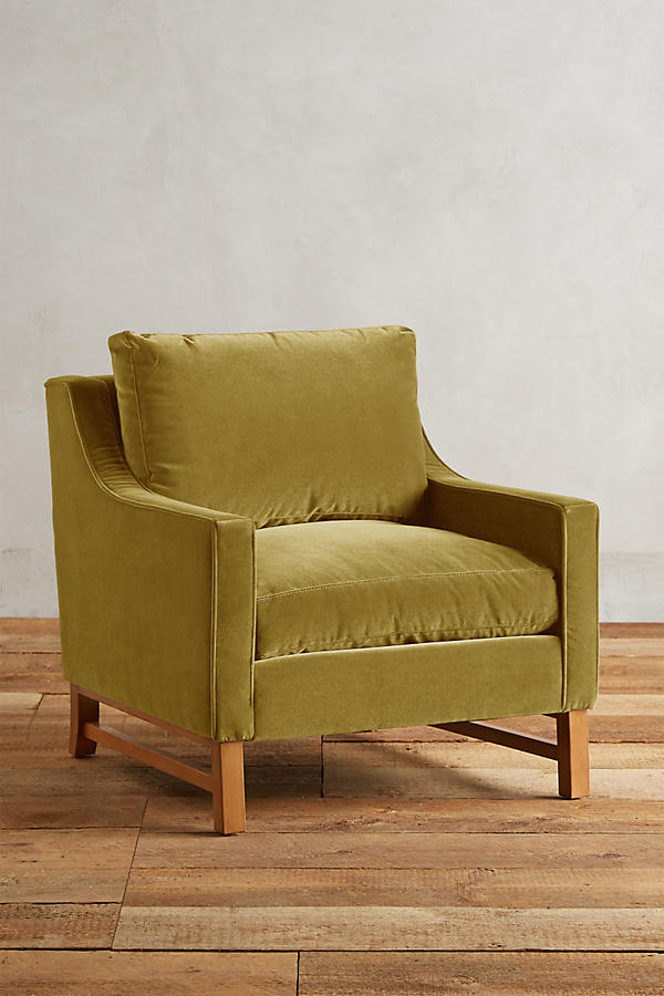 Slide View: 1: Velvet Dorada Chair