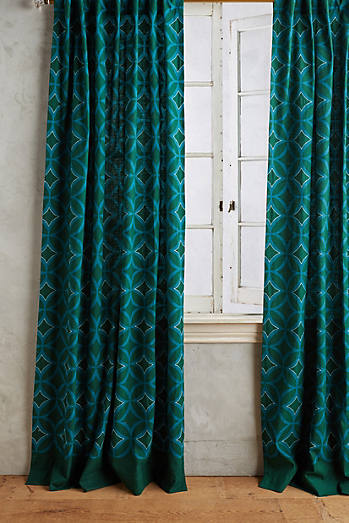 Concave Diamonds Curtain