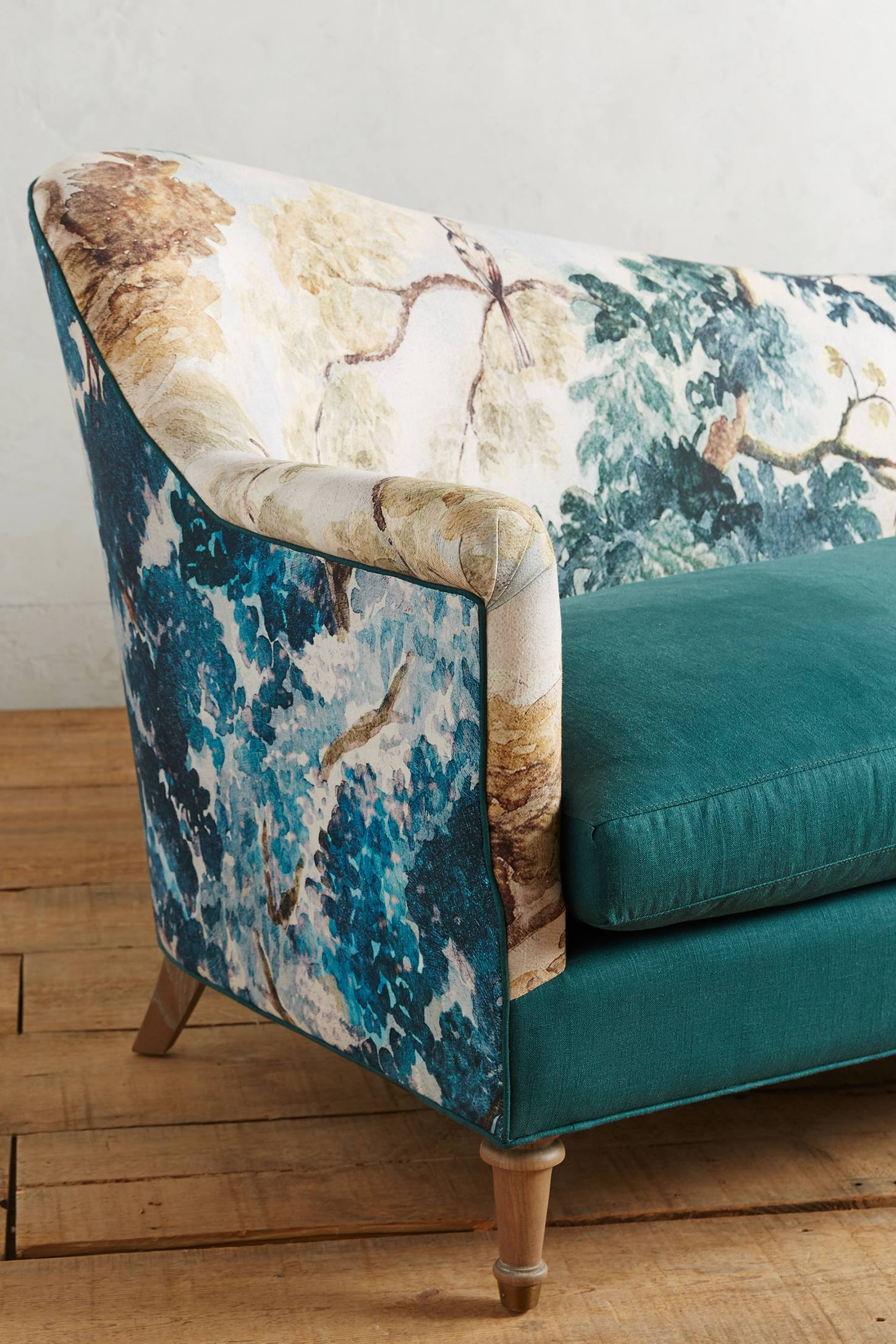 Slide View: 4: Pied-A-Terre Sofa, Judarn