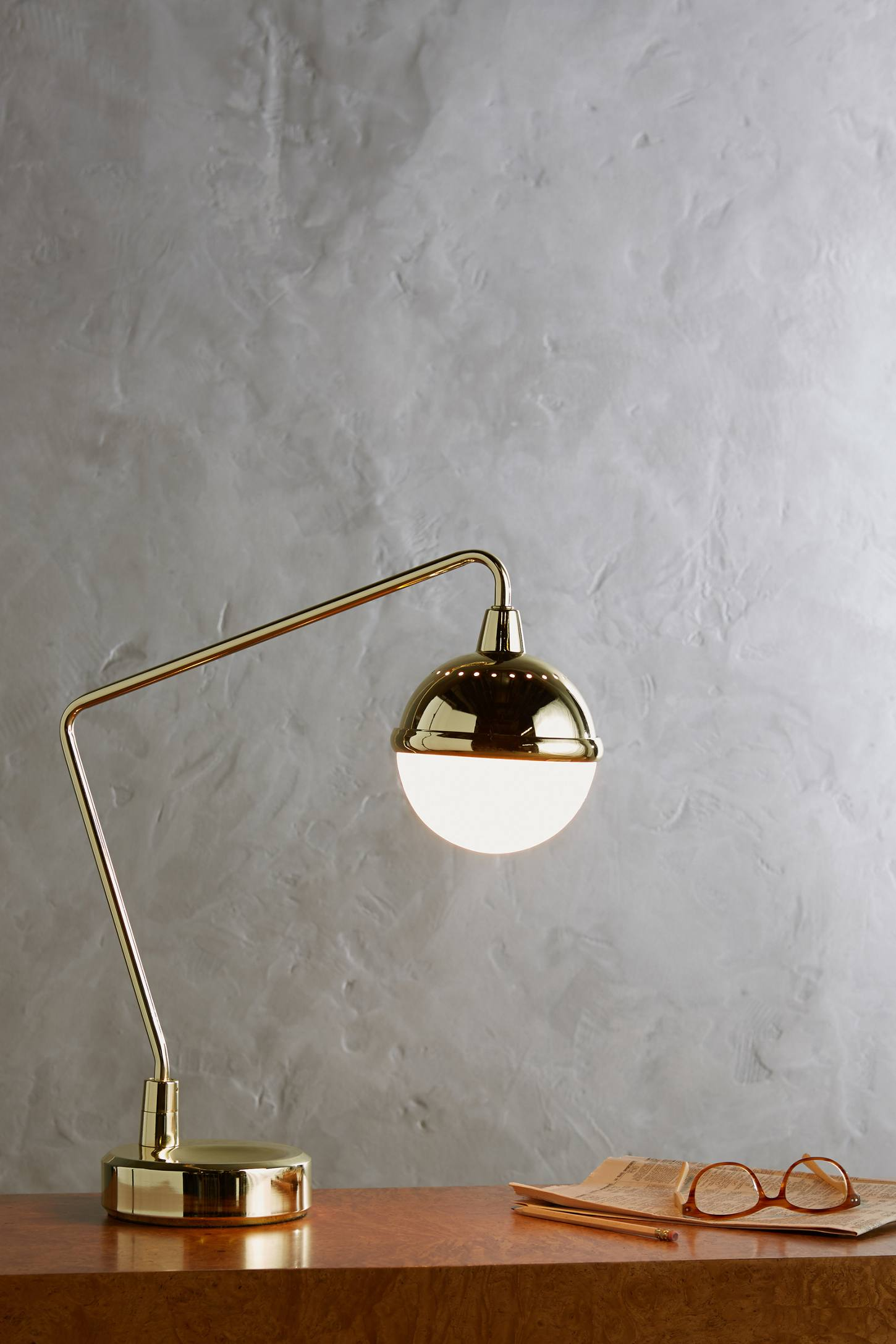 Slide View: 4: Anchored Orb Task Lamp
