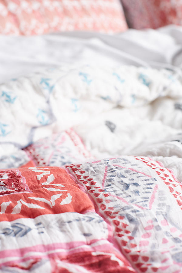 Slide View: 4: Brissa Quilt